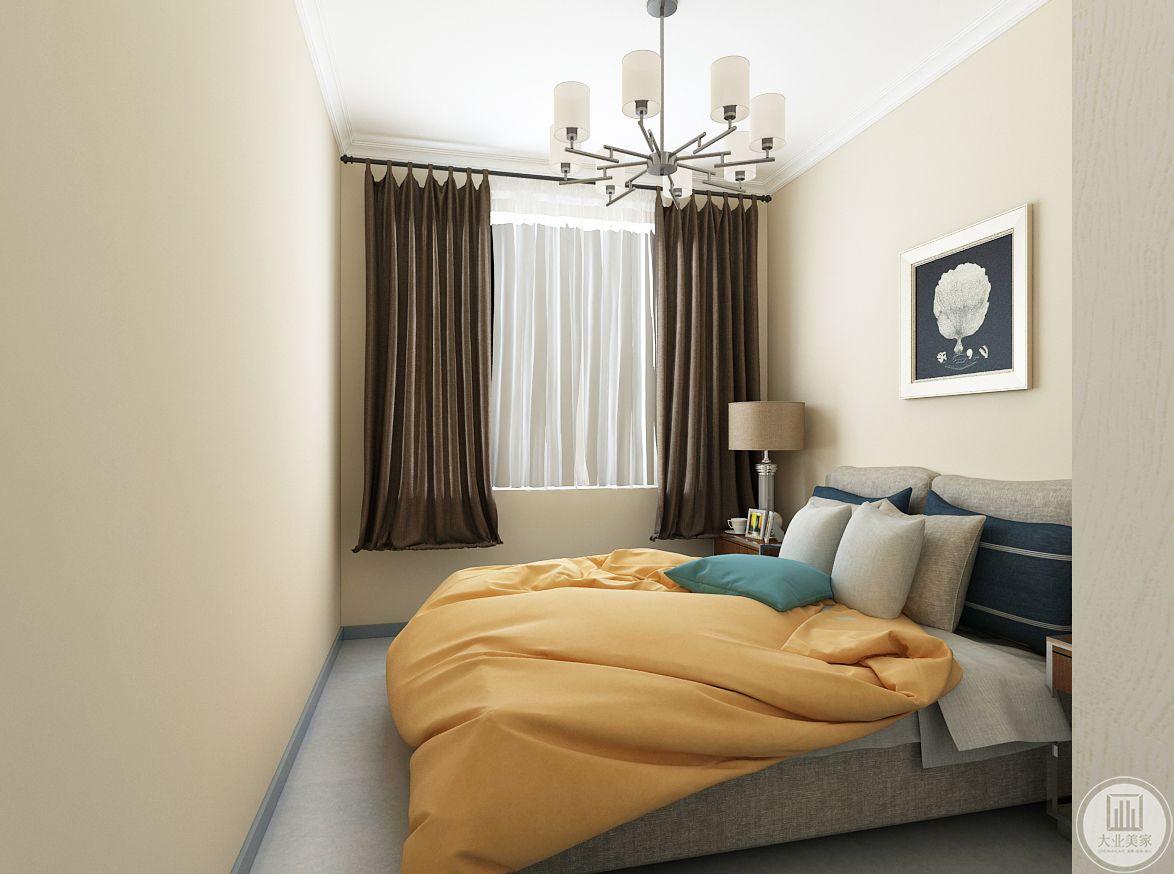 次卧室装修效果图:床头背景挂画采用现代风格浓厚的抽象画。