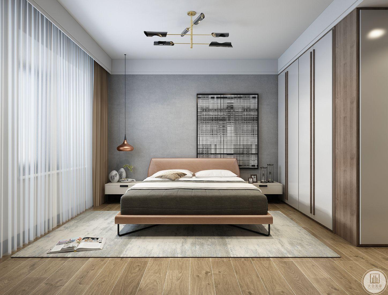 主卧室铺设木地板,床头背景墙使用浅灰色搭配一侧的黑白色艺术画,让整个空间温馨淡雅。