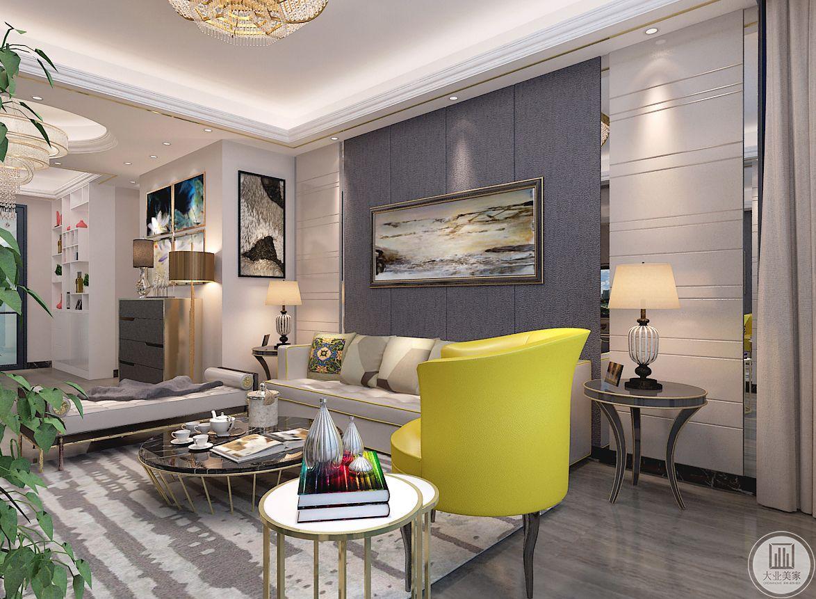 客厅装修效果图:由于线条简单、装饰元素少,现代简约风格家居需要讲究软装搭配,才能显示出美感。而且现代简约风格是所有家装风格中最不拘一格的。一些线条简单,设计独特甚至充满个性的饰品都可以成为现代简约风格家装的一员。