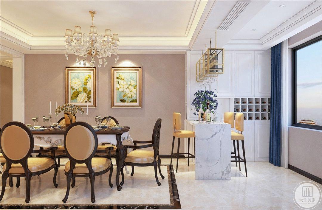 餐厅装修效果图:现代古典范的餐桌椅,以及卡座式设计,在加上白色瓷砖的搭配,显得层次丰富而又高档大方。