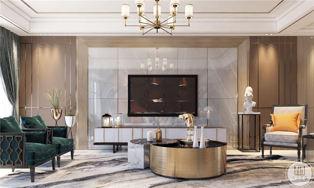 一层客厅影视墙采用大理石,搭配白色电视柜,为了增强艺术感在一侧放置石膏雕塑。