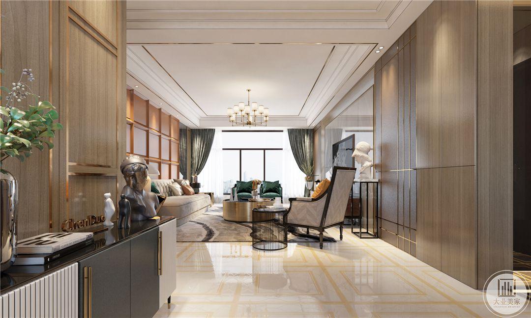 地面采用浅黄色瓷砖,搭配灰色地毯,从这个方向可以看到客厅的整体布局装饰。