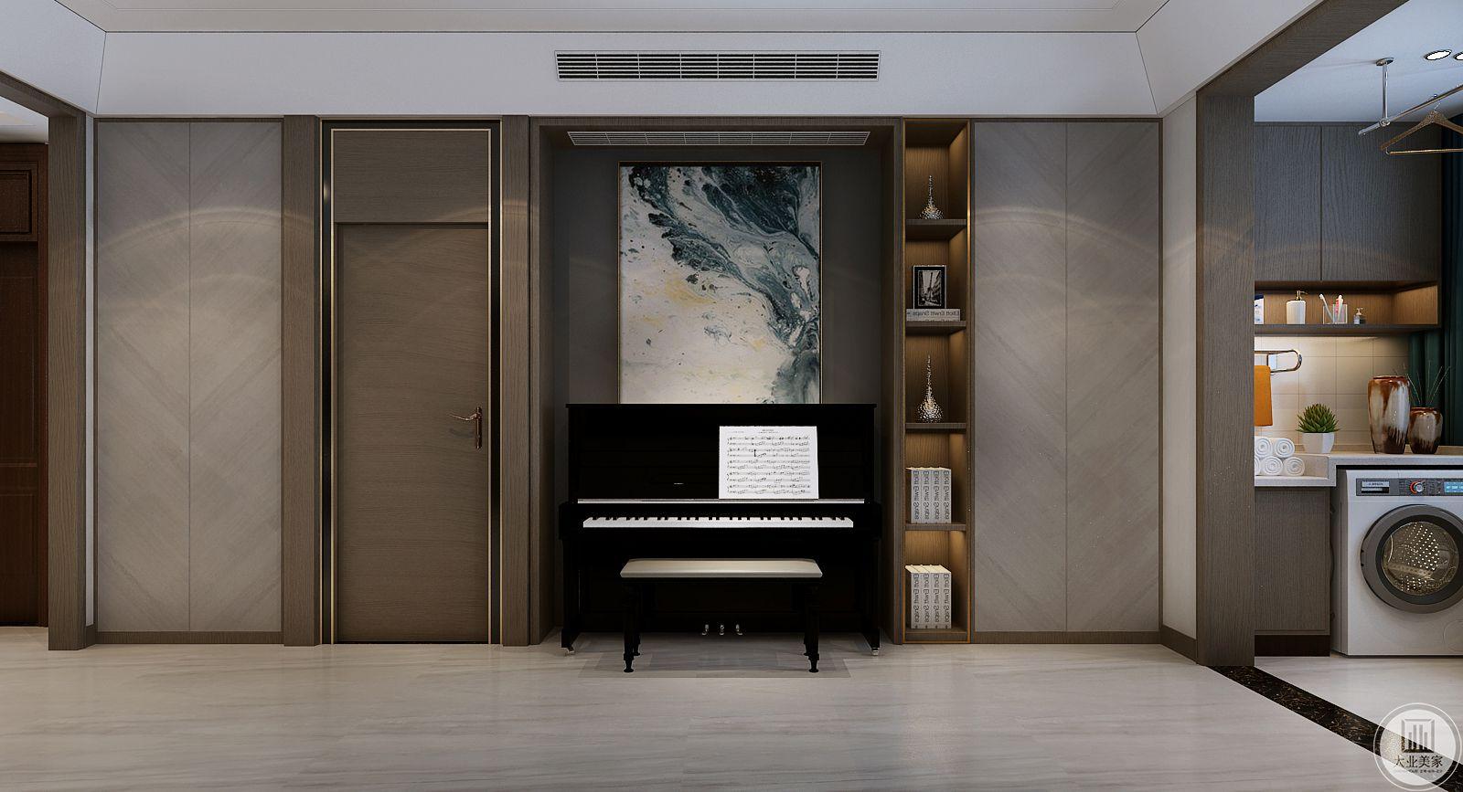 客厅不靠沙发墙,在这里放置钢琴增强空间使用率。