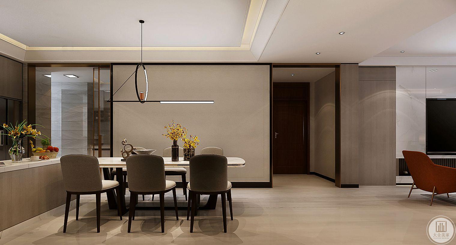 餐厅的一侧采用吧台作为厨房和餐厅的隔断,地面采用木纹砖装饰。