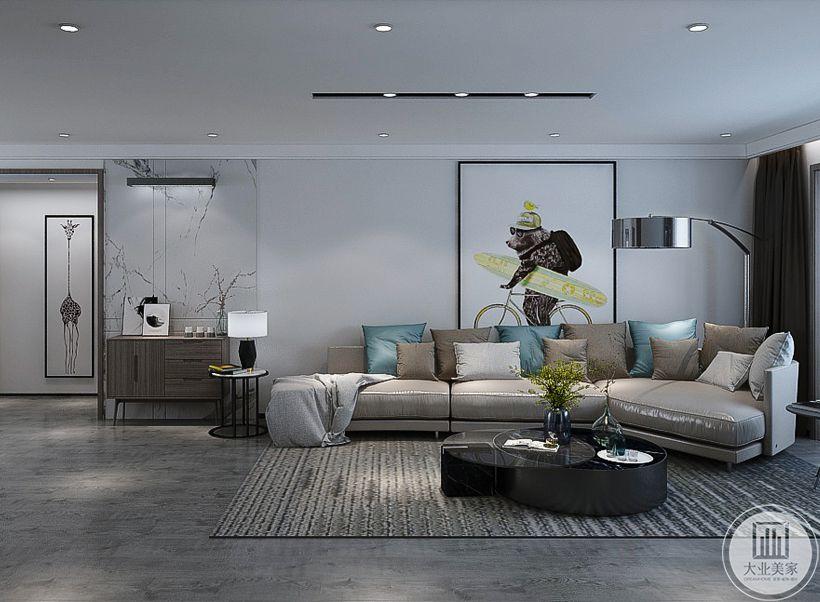 客厅沙发墙采用大白墙,墙面采用抽象装饰画,沙发采用浅色真皮沙发,搭配黑色茶几,地面采用浅色木地板,搭配浅灰色地毯。