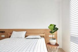 卧室收纳方法:卧室脱下的衣服往哪放?千万别搁椅子上堆成山!