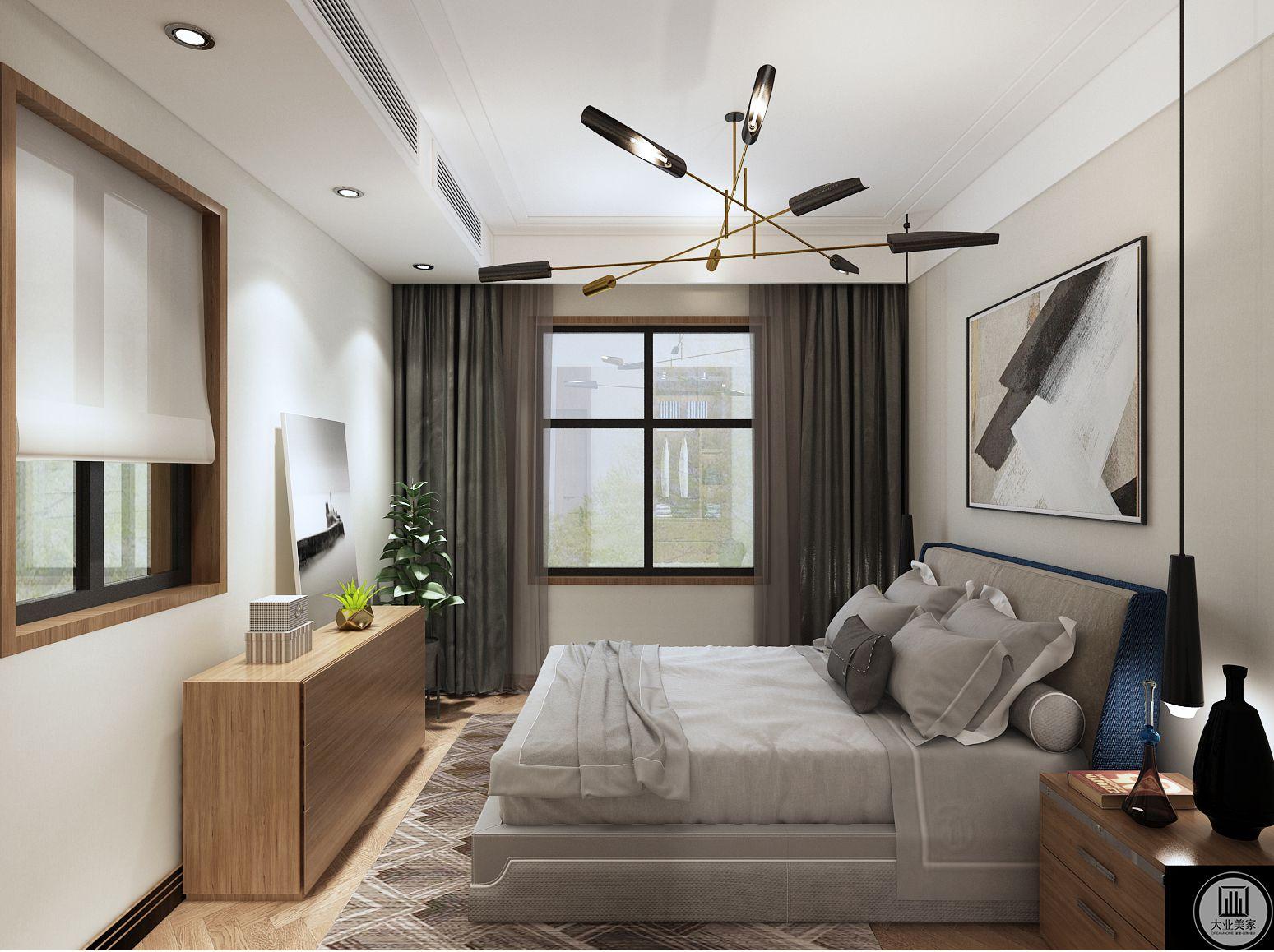 深灰色丝缎窗帘与木色柜面为主卧奠定了素雅清新的基调。